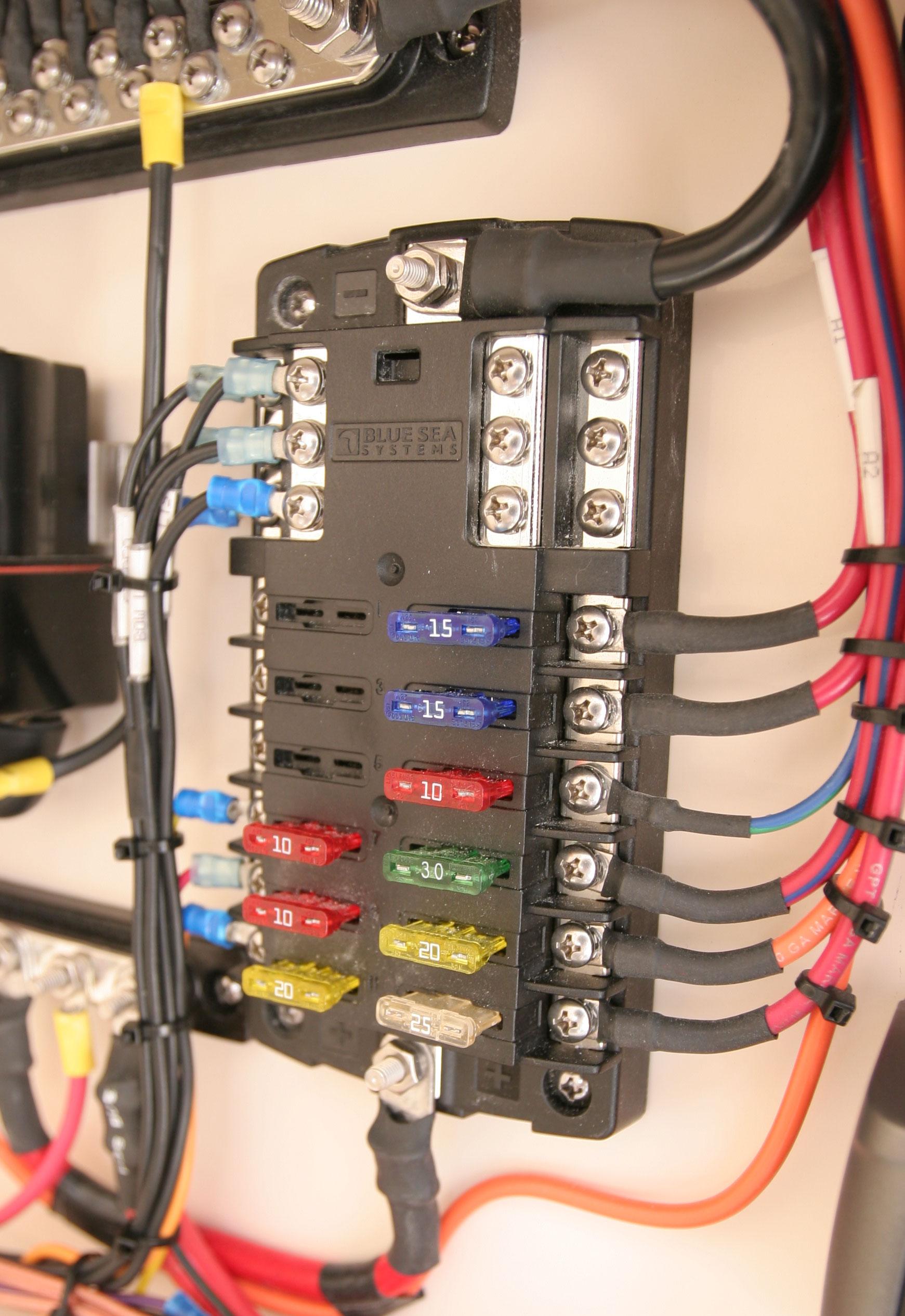 [SCHEMATICS_44OR]  Blue Sea Systems ATO Fuse Block 12 Circuits with Ground - 5026 – False  Creek Fuels | 12 Fuse Box |  | False Creek Fuels